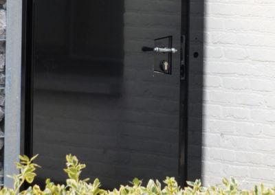 govers-sierhekwerk-modern-stijlvol-model-strak-gesloten-kissen-hamont3